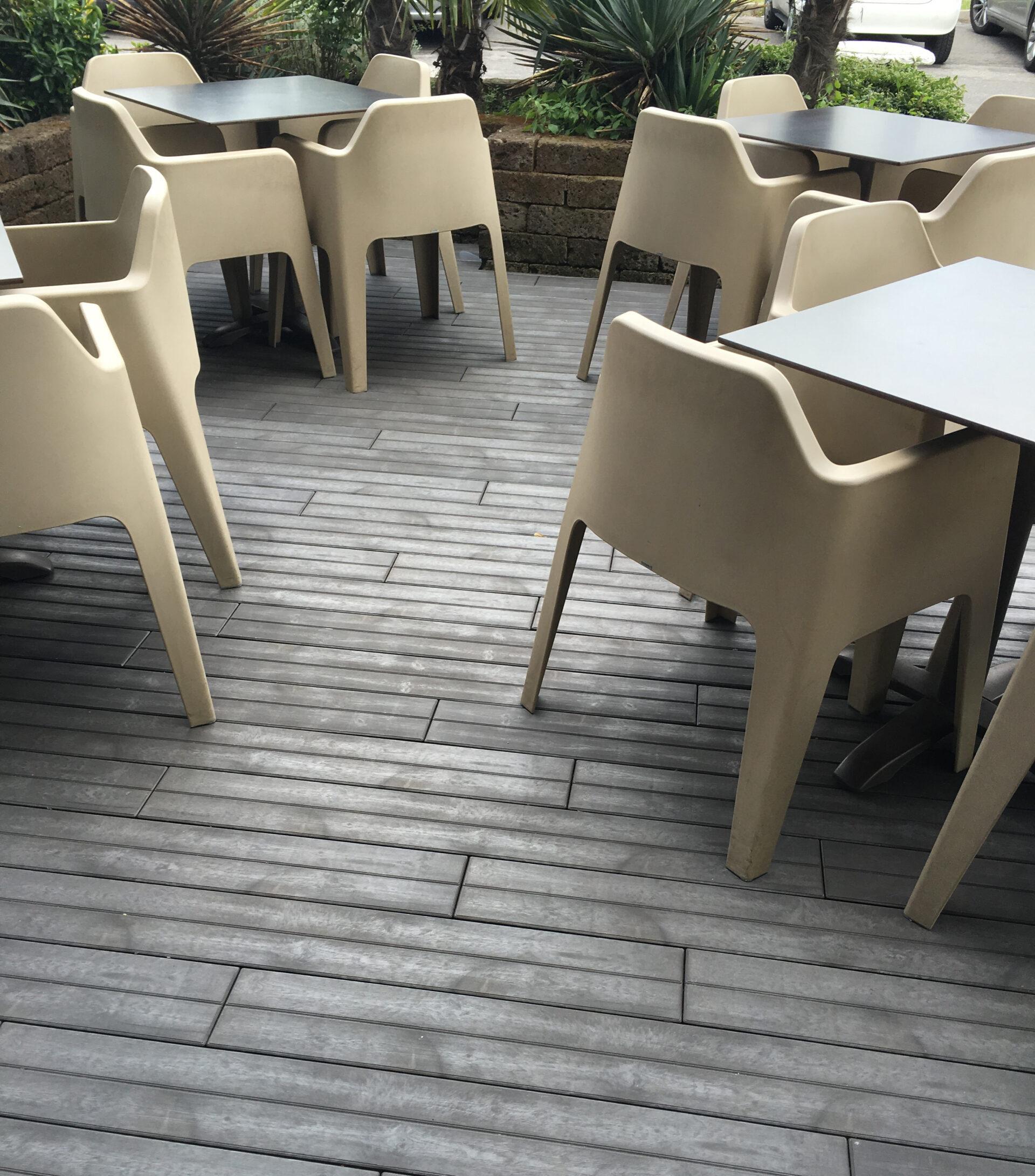 Piastrella in plastica effetto legno Art Plast Linea Woodenlike ambiente 3